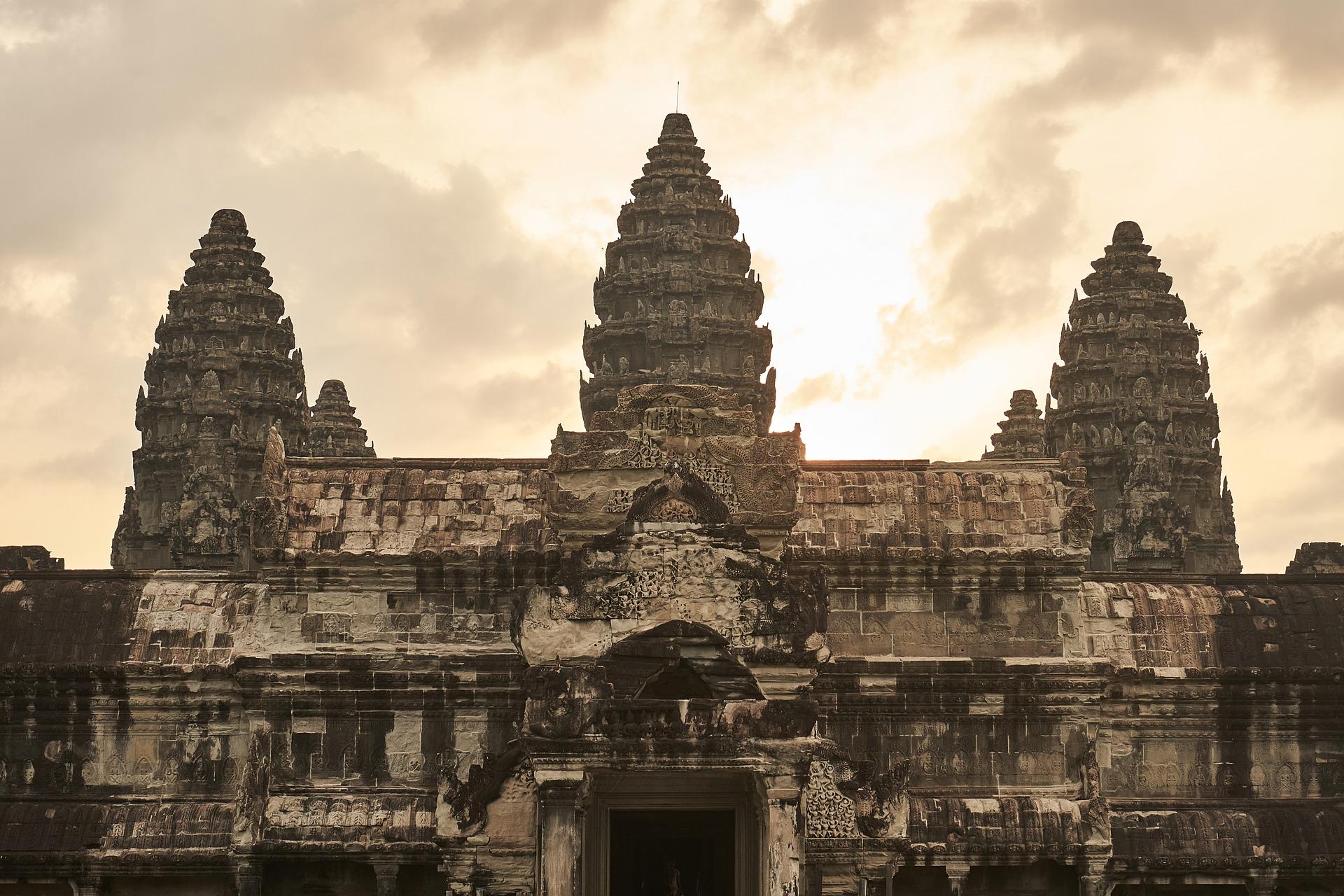 カンボジア(アンコールワット)へひとり旅(アクションカム等持ち物準備編)